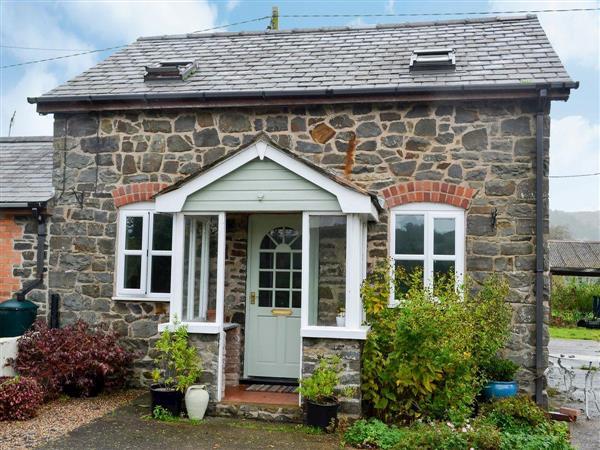 Maesnewydd Cottage in Powys