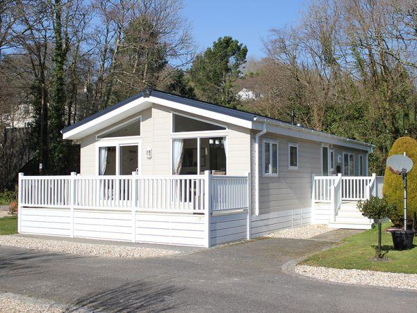 Magnolia Lodge in Cornwall