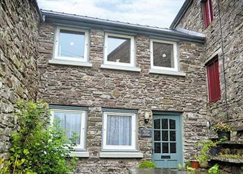 Malting Floor Cottage in Dyfed