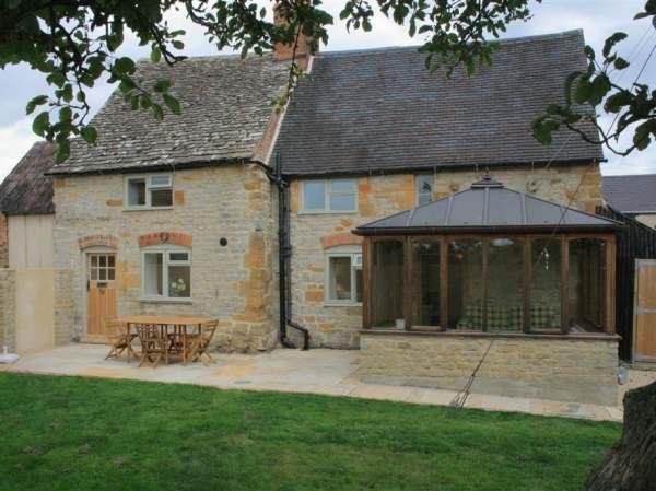 Manor Cottage in Warwickshire
