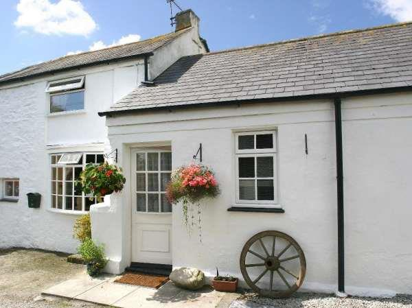 Manor Farmhouse Cottage in Cornwall