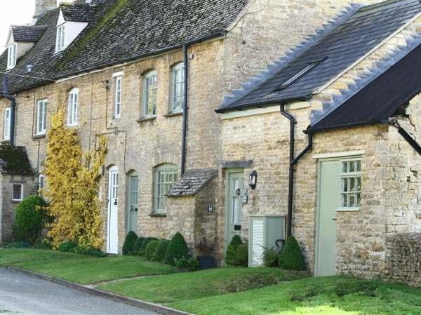 Maple Cottage in Warwickshire