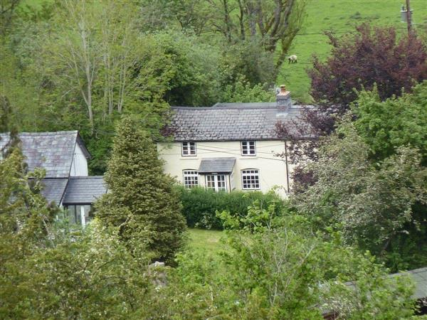 Middle House in Powys