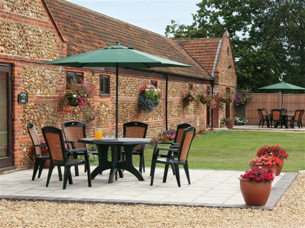 Moor Farm Stable Cottages - Littlewoods Barn in Foxley, near Fakenham, Norfolk