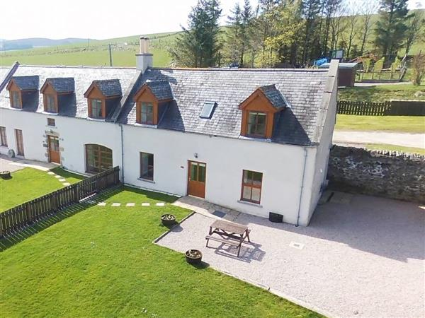 Moray Cottages - Stable Cottage, Dufftown, Banffshire