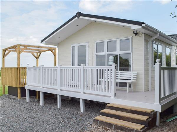 Mountain Town Cottages - Mountain View Lodge in Dyfed