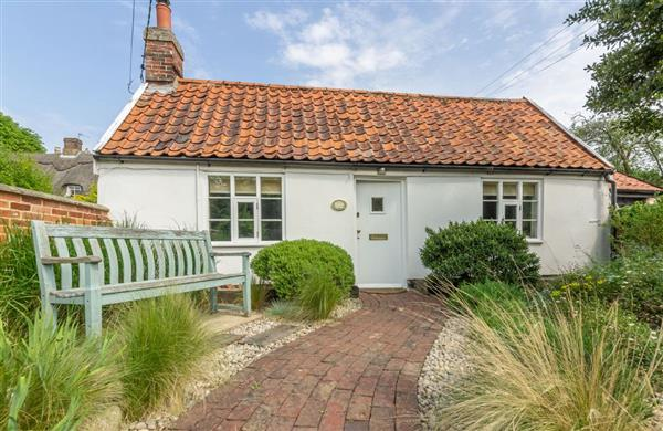 Myrtle Cottage in Suffolk