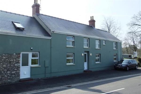 Nash Lodge in Dyfed