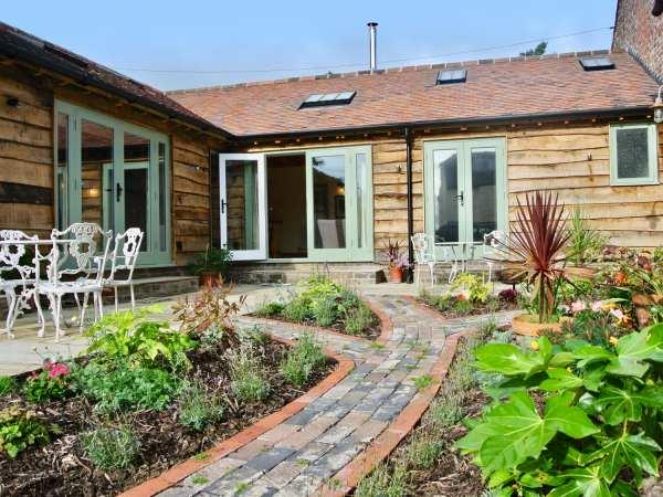 Nest Holiday Hideaway - Wren Cottage in Shropshire