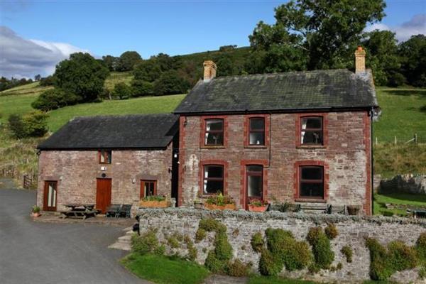 Neuadd Fach in Powys
