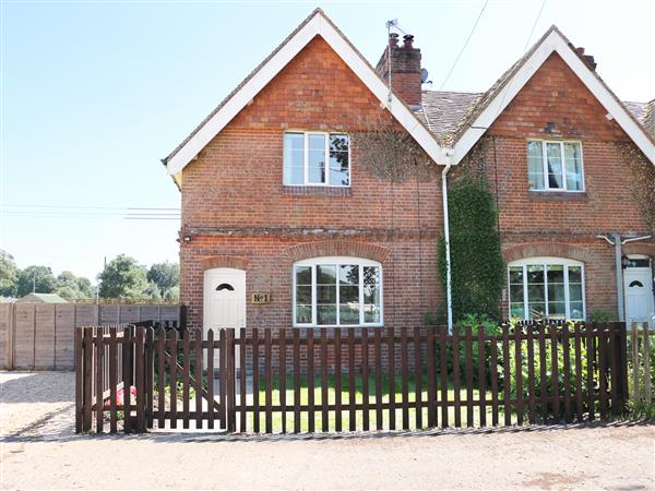 New Park Farm Cottage in Hampshire