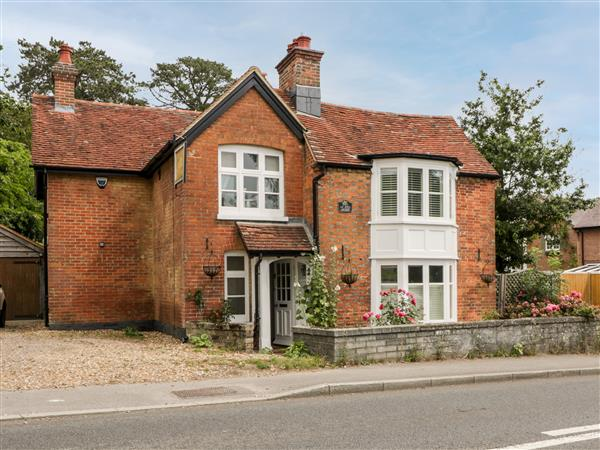 Oakapple Cottage, Swan Green near Lyndhurst