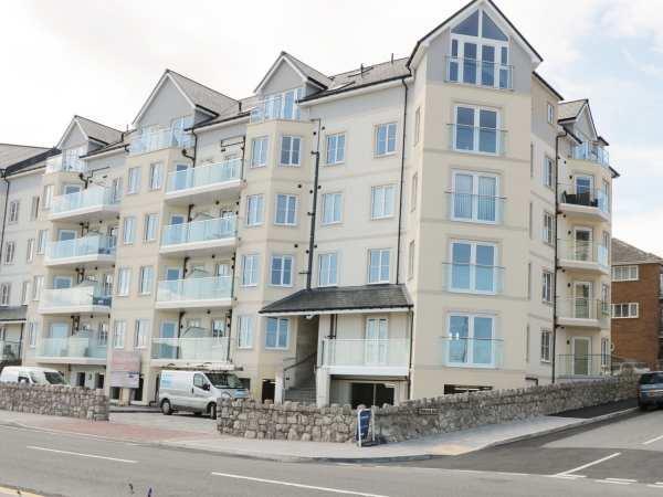 Ocean View Apartment in Clwyd