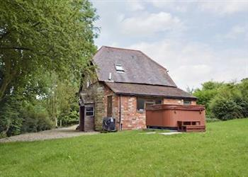 Oldcastle Cottages - Lovers Cottage in Herefordshire