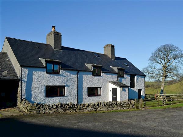 Orsedd Wen Farmhouse in Gwynedd