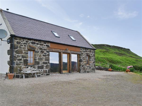 Osdale Cottages - Hen Harrier View in Isle Of Skye