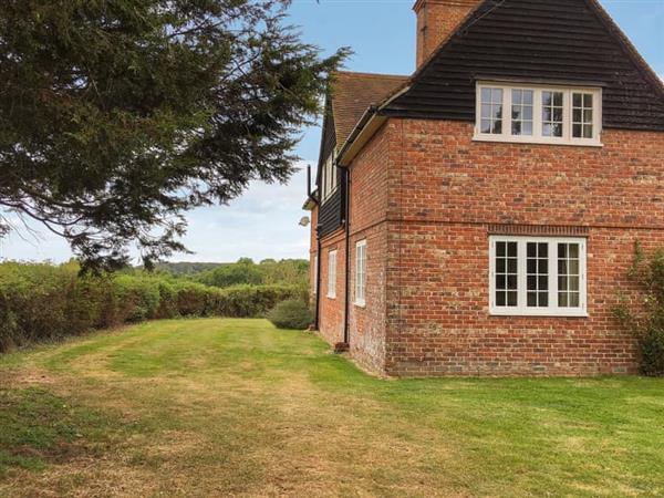 Pelsham Farmhouse in Peasmarsh, England - East Sussex