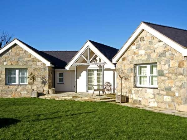Pen y Bont Bach from Sykes Holiday Cottages