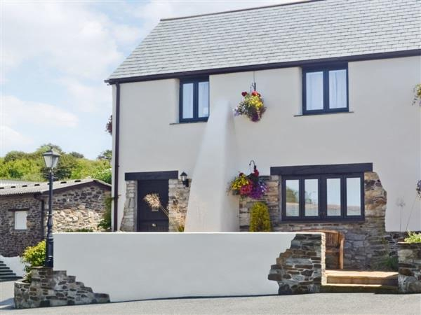 Pencrennow Farm Cottages - Swallow Cottage in Cornwall