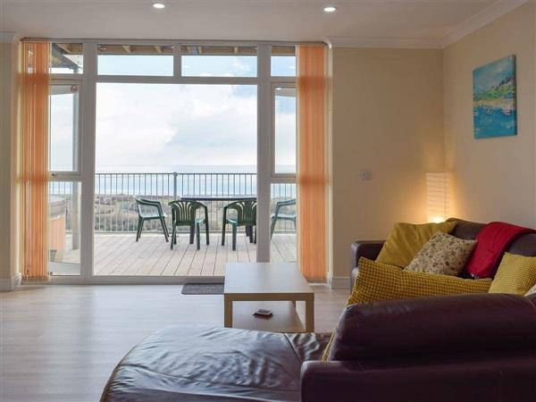 Pendine Manor Apartments - Sea Fairer from Cottages 4 You