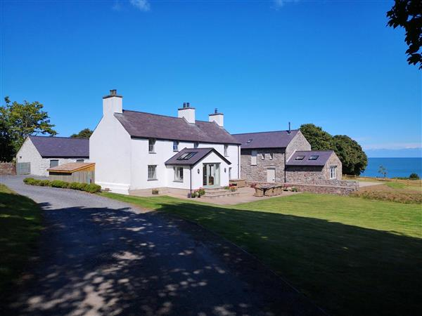 Penrhyn Farm from Sykes Holiday Cottages