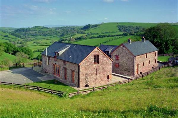 Pentwyn Farmhouse in Powys