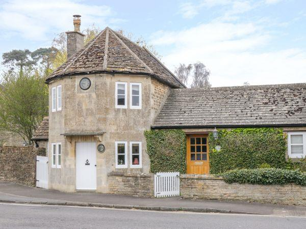 Pike Cottage in Avon