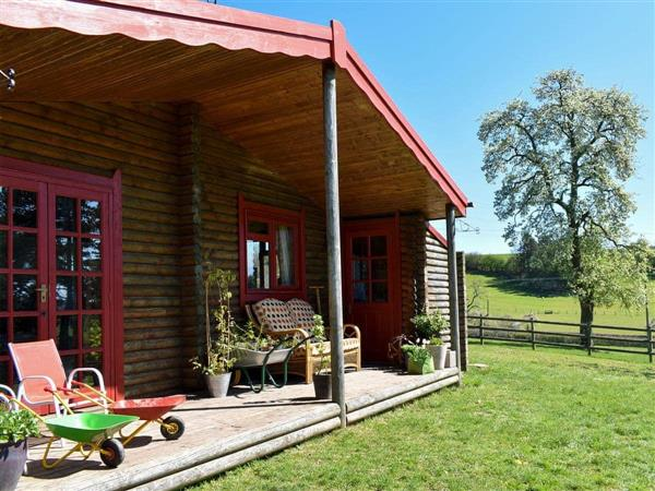 Pine Lodges - Huckleberry Lodge in Shropshire