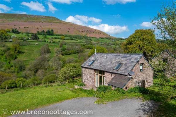 Pip's Barn in Powys