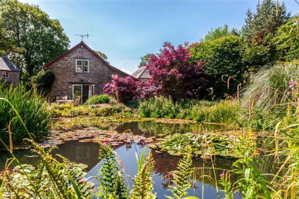 Pond Cottage in Powys