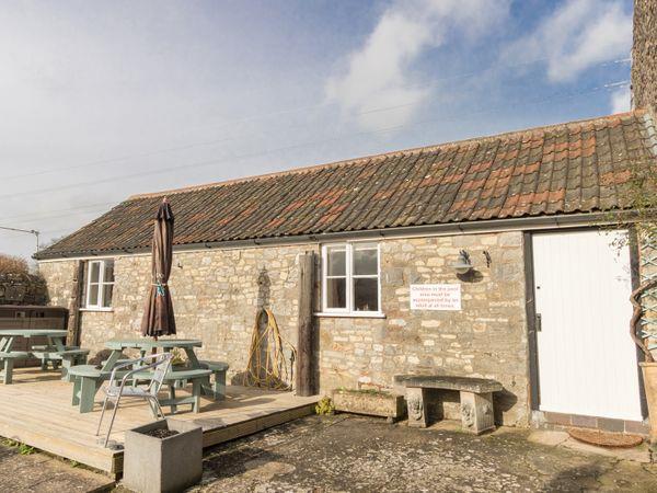 Poolside Cottage in Avon