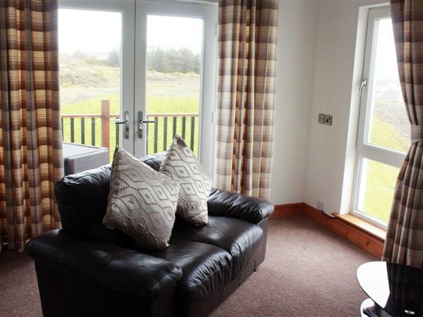 Portpatrick Apartments - The Greenkeeper, Portpatrick, near Stranraer, Wigtownshire