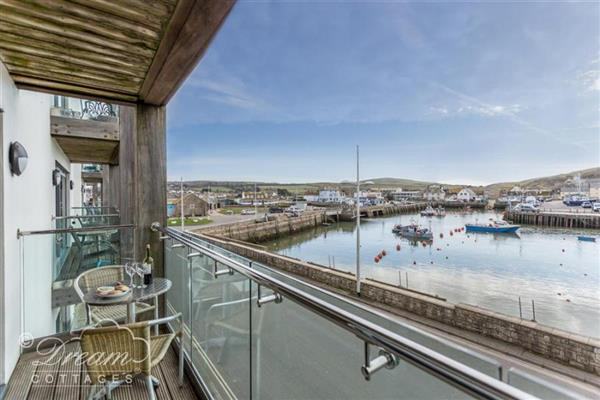 Quayside Apartment in Dorset