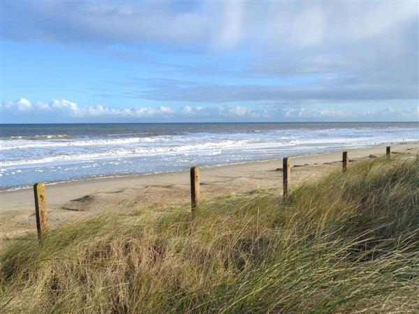 Rainbow Park End - Beach Therapy in Norfolk
