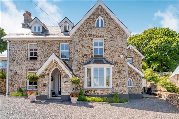 Rhodewood Lodge, Dyfed