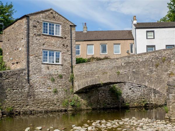 Riverbank Cottage in Cumbria