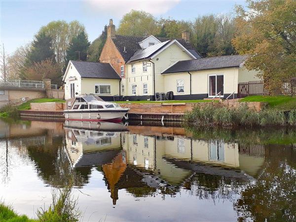 Riverside Cottage in Norfolk