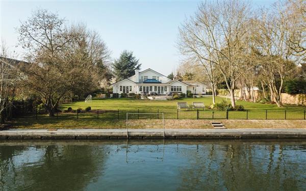 Riverside House in Berkshire