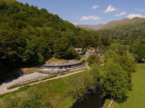 Riverside Terrace View Point, Ambleside - Cumbria