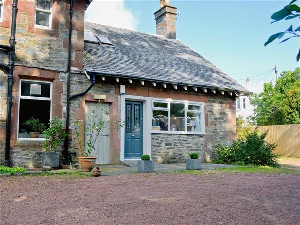 Rock Cottage in Dumbartonshire