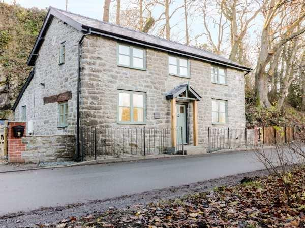 Rock Cottage in Powys