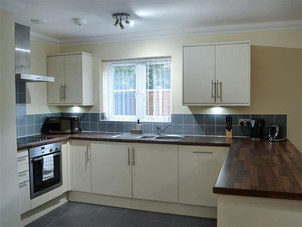 Room and Roof Serviced Apartments - Azura Apartment 7 in Hampshire