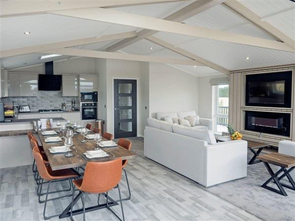 Roseberry View Lodge Retreat - Henry Bolckow Lodge in North Yorkshire