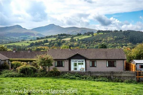 Rosewood Bungalow in Powys