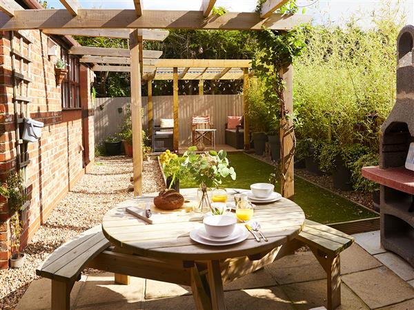 Rosewood Cottage in North Humberside
