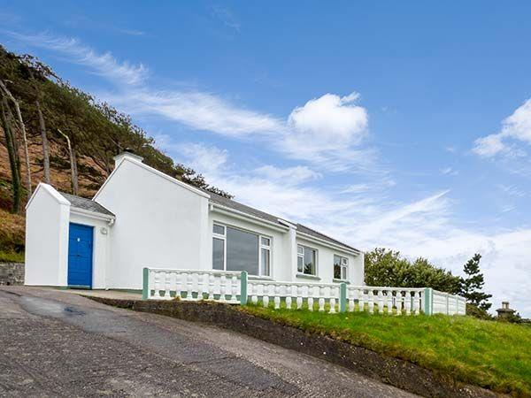 Rossbeigh Beach Cottage No 6 in Kerry