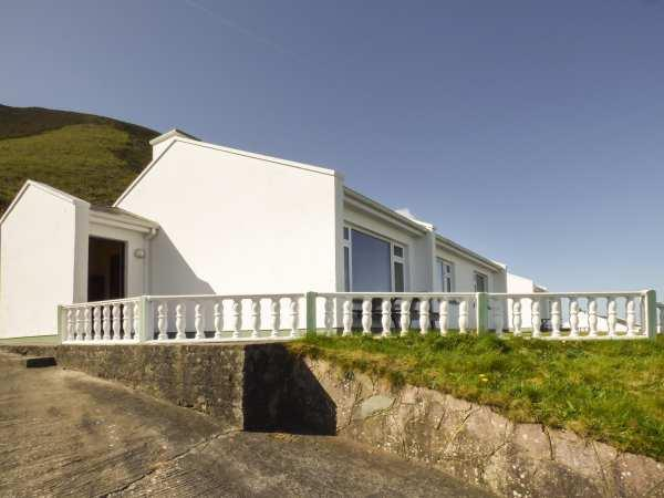 Rossbeigh Beach Cottage No 8 in Kerry