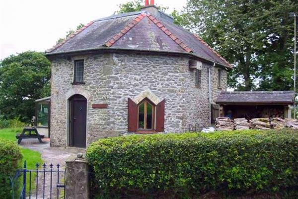 Round Lodge in Dyfed