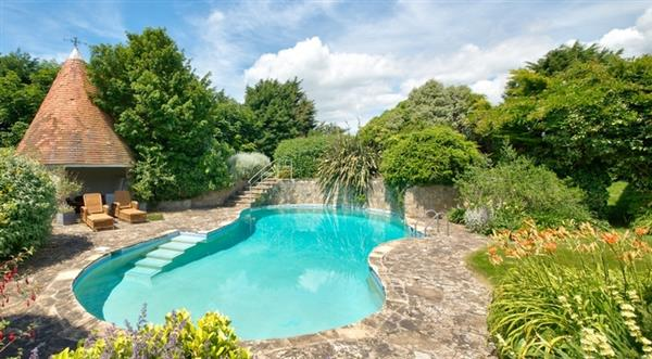 Shalfleet Manor and Cottage in Isle of Wight