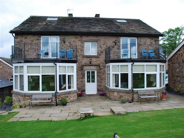 Shallcross Hall Cottages - Goyt in Derbyshire